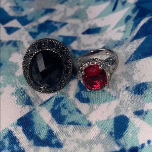 2 statement rings, black and red 🖤❤️